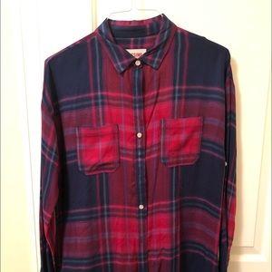 Long sleeved light flannel shirt, women's medium